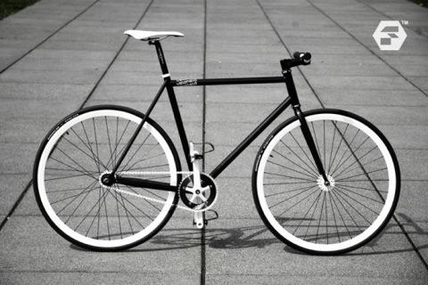 Melihat Keistimewaan Sepeda Unik Fixie Hafis Alrafi Irsal
