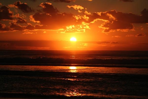 Hasil gambar untuk matahari senja